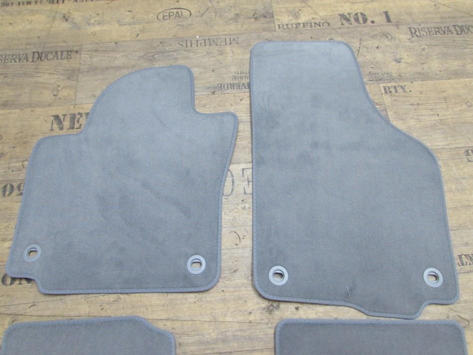 VW Golf 5 6 plus original Fußmatten Set Teppich Textil